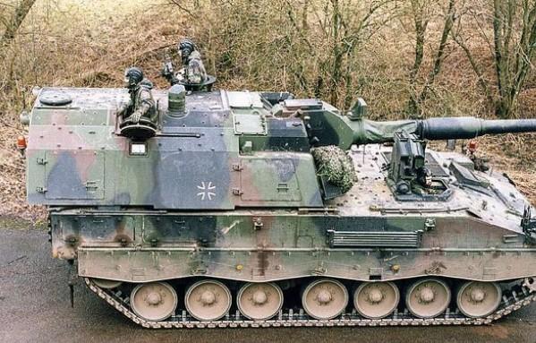 PzH 2000 - немецкая бронированная САУ
