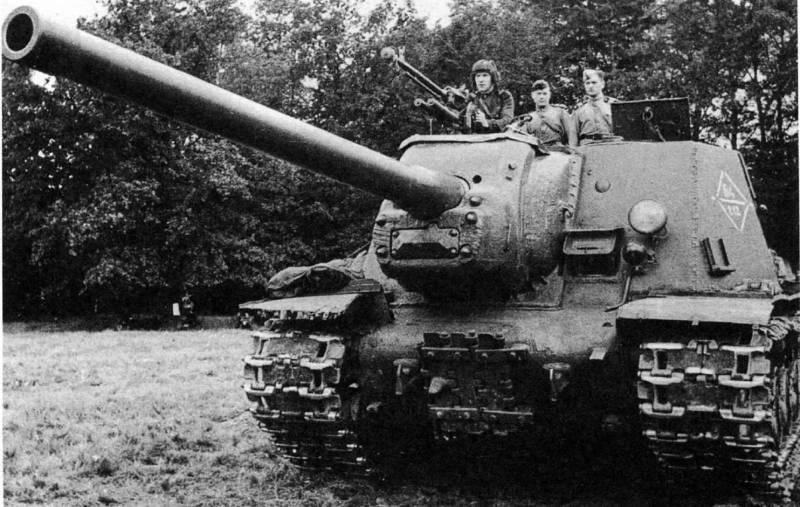 ИСУ-122 - советская САУ Второй мировой войны