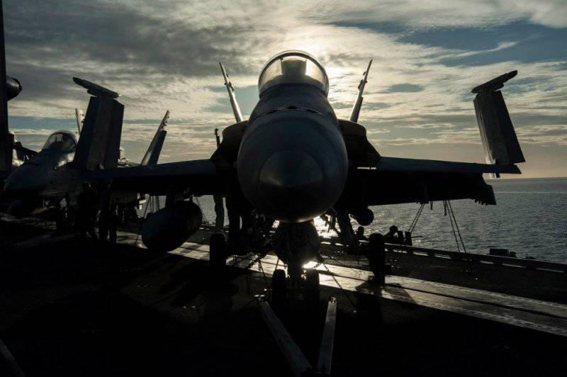 «Джордж Буш» - авианосец США
