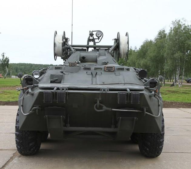 БРЭМ-К - колесная бронированная ремонтно-эвакуационная машина