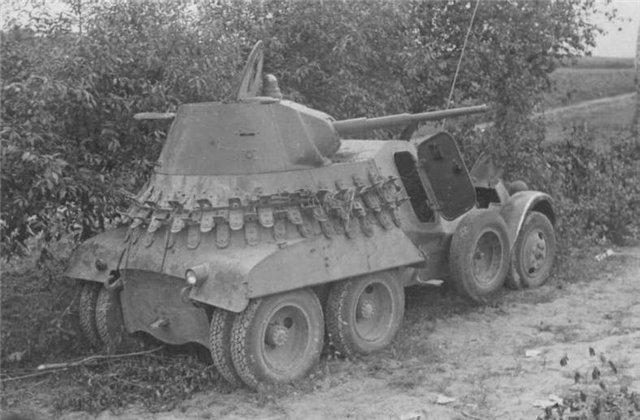 БА-11 - бронеавтомобиль СССР
