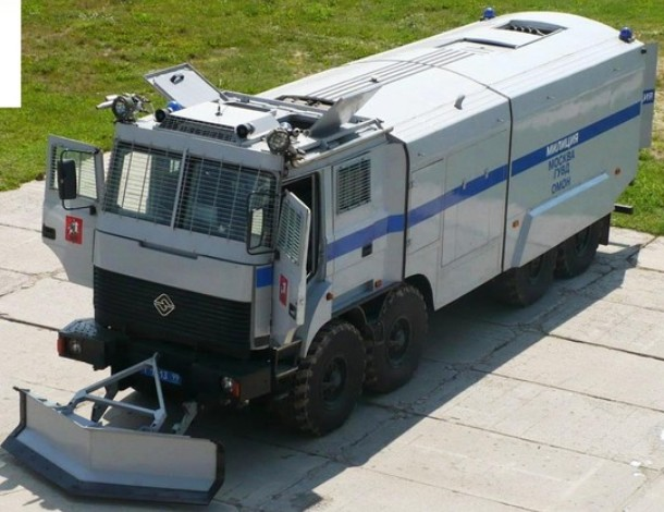 УРАЛ-532362 'Лавина-Ураган' - бронированный водометный спецавтомобиль