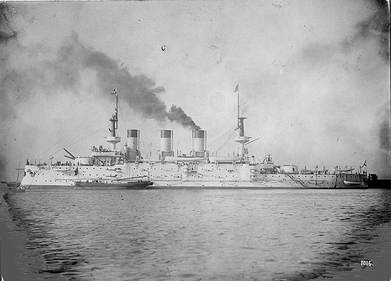 Броненосец «Пересвет» готовится к походу на Дальний Восток, 1901 год.
