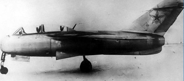 Истребитель Ла-15