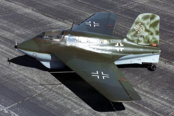 Мессершмитт Ме 163 'Комета' — немецкий ракетный истребитель