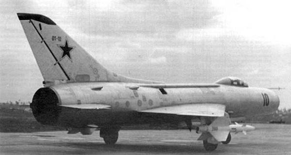 Су-11 - истребитель-перехватчик
