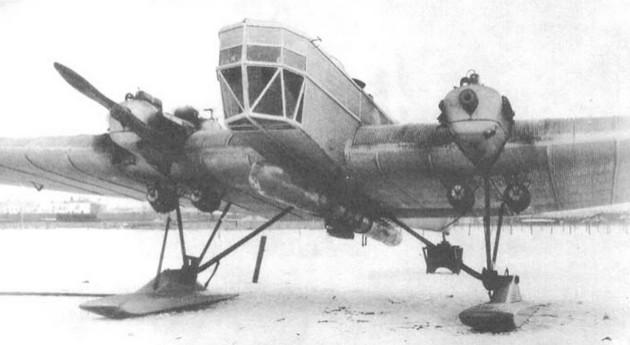 Фото самолета ТБ-1 (АНТ-4) с торпедой