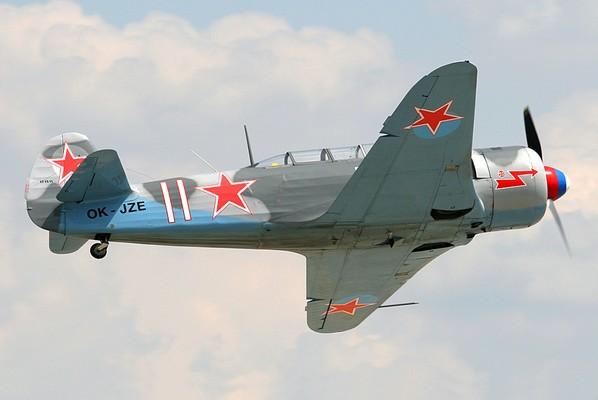 Як-11 - учебно-тренировочный истребитель