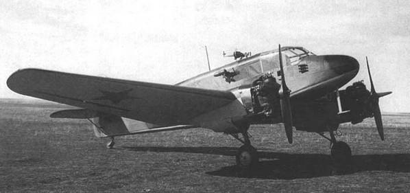Як-6 - транспортный самолет, бомбардировщик