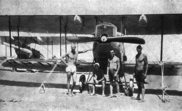 Самолет У-8 «Конек-Горбунок» фото 1925 года. Средняя Азия. Борьба с саранчой