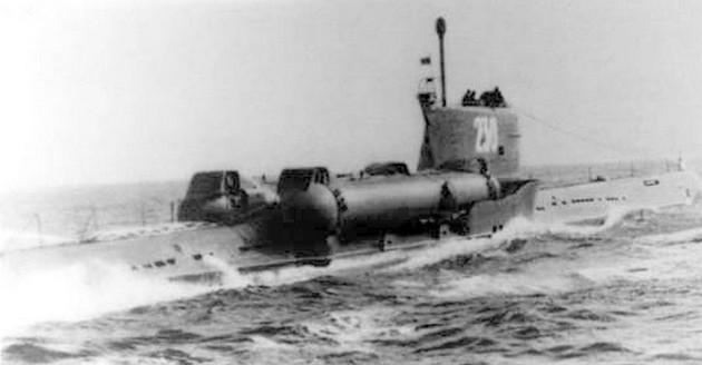 Подводная лодка проекта 644 с двумя пусковыми установками ракет П-5