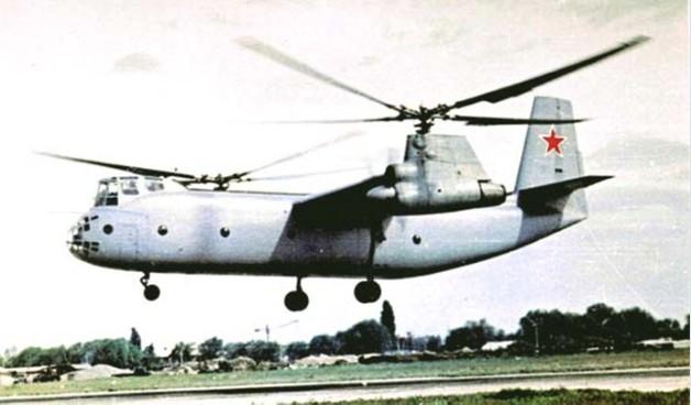 Фото винтокрыла Ка-22 во время посадки