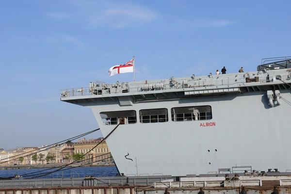 Английский десантный корабль типа «Альбион»