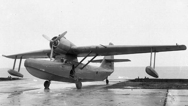 Бе-8 - самолёт-амфибия на подводных крыльях