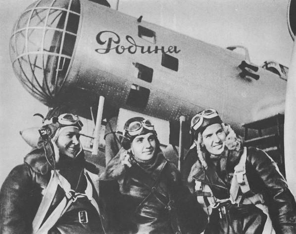 Экипаж бомбардировщика ДБ-2 (АНТ-37)