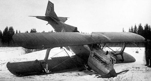 Фото аварийной посадки самолета И-2бис