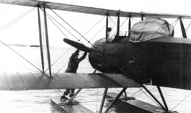Фото запуска двигателя самолета МУ-1