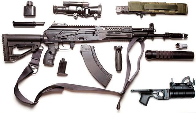 АК-12 с различными дополнительными приспособлениями