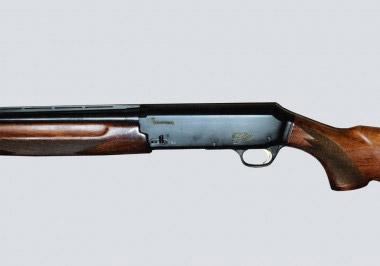 Самозарядное ружье Browning Gold с газоотводным механизмом