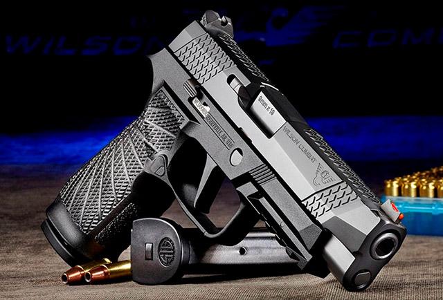 Новый пистолет WCP320 имеет специальную серию номеров с префиксами WC и поставляется с двумя 17-зарядными магазинами X-Series