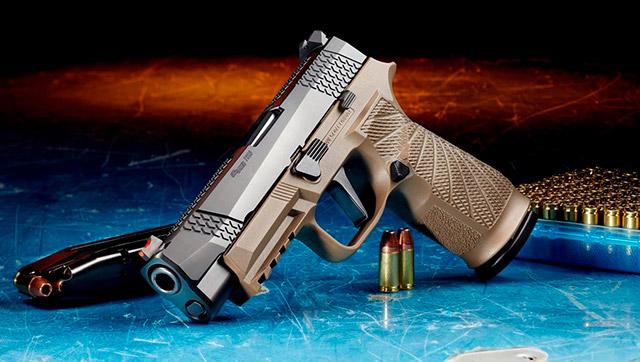 WCP320 доступен на выбор в двух цветах: чёрном и песчаном