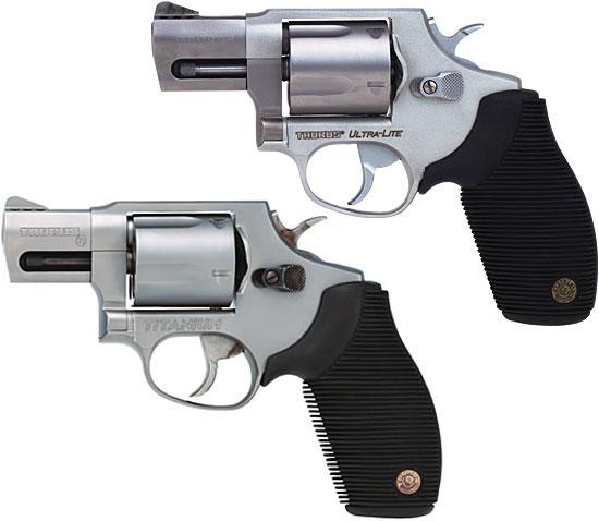 Taurus M 450 Ultra Light (сверху) и Total Titanium (снизу)