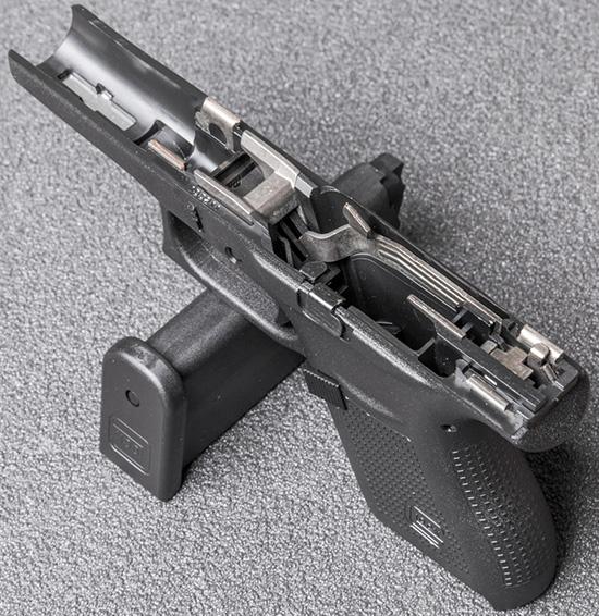 По устройству и порядку разборки-сборки Glock 43 не отличается от «старших братьев»