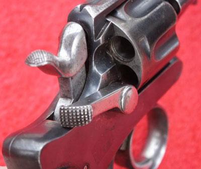 Abadie M 1886 вид на барабан, курок, целик, дверцу Абади