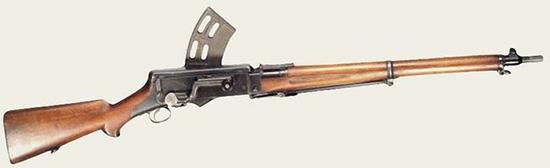 Самозарядная винтовка М1896 системы Шоубо, состоявшая на вооружении датской морской пехоты и ставшая основой для ручных пулеметов Мадсен