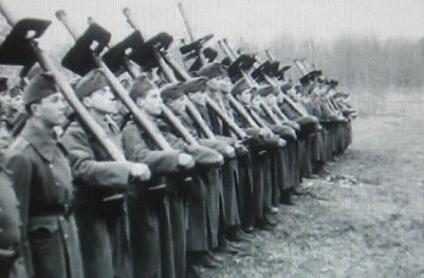Венгерские гонведы с гранатомётами 44.М