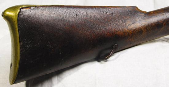 Оформление медносплавного прибора французского офицерского мушкетона традиционно для XVIII в. По нему безошибочно можно отличить офицерское оружие от простого солдатского.
