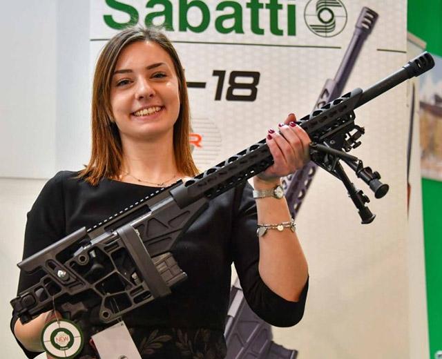 Новая винтовка Sabatti ST-18 была разработана в сотрудничестве с компанией BCM, специализирующейся на производстве спортивных винтовкок