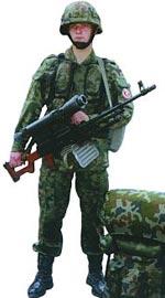 Польский спецназовец с единым пулеметом Калашникова ПКМН с ночным прицелом НСПУ