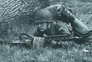 Пулеметчик с единым пулеметом MG.3