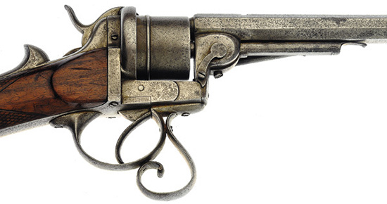 Открытая рамка стала отличительной особенностью револьверных конструкций под патроны Лефоше. Отсутствие верхней перемычки снижало жесткость конструкции.