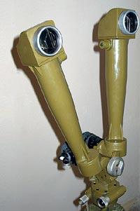 Артиллерийская стереотруба АСТ (вид спереди)