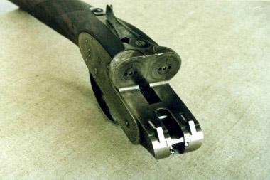 Колодка охотничьего ружья с взведением замков системы Beesley