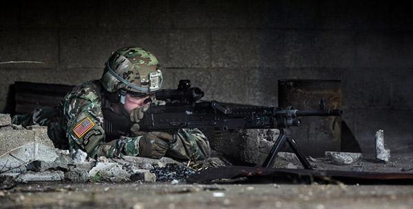 боевой прицел ICS компании Steiner Defense