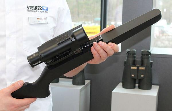 Немецкой компании Steiner Defense удалось объединить в одном компактном устройстве прицел ICS, лазерный дальномер и вычислитель