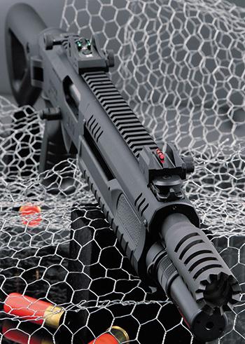 Агрессивность и модульность — главные особенности нового тактического дробовика Fabarm STF/12 Compact