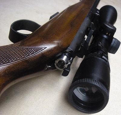 Потенциал моей «CZ-452» удалось полностью раскрыть с помощью достаточно простенького прицела Nikon Buckmasters 4.5-14x40 c прицельной сеткой Mildot.
