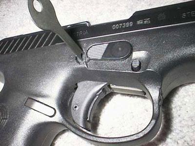 вид на предохранители пистолетов серии Steyr M и Steyr S