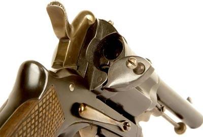Gasser M1870/74 Montenegrin вид на барабан, откидную зарядную дверцу и предохранитель