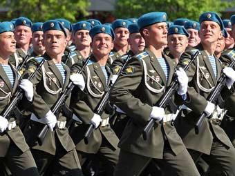 Российские десантники на параде Победы