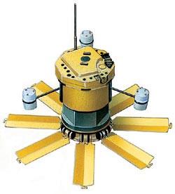 Противотанковый противокрышевый боеприпас М93 «Хорнет», США. Масса мины - 15,9 кг, заряд боевого элемента - «ударное кумулятивное ядро», бронепробиваемость - до 90 мм, радиус обнаружения цели - 100 м. Взрыватель электронный неконтактный, датчики цели мины - сейсмический (предварительный) и акустический (основной), датчик боевого элемента - инфракрасный
