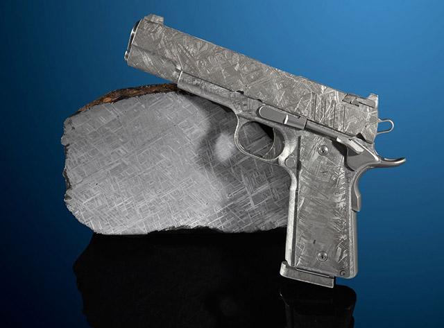 Пистолет из метеорита