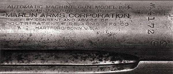 Клеймо сверху ствольной коробки пулемета указывает, что пулемет «Кольт» М1914(М1895/1914) выпускался «Марлин Армз Корпорэйшн» по согласованию с «Кольтс Патент Файрармз Мэнюфэкчуринг Компании»
