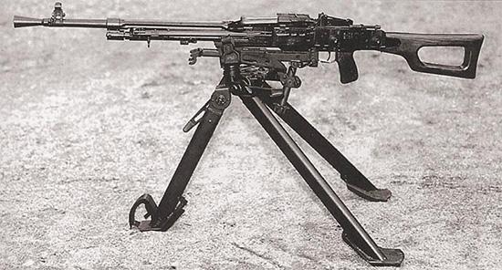 7,62-мм единый пулемет Никитина-Соколова на станке-треноге Саможенкова. Опытная модель 1958 г.