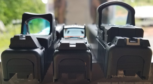 Noblex-Docter Optics Glock MOS Red Dot Sight (в центре) ниже и уже абсолютного большинства коллиматоров, монтируемых на Glock