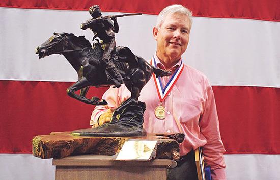 К созданию Alias приложил руку самый титулованный стрелок-спортсмен США — Дэвид Табб